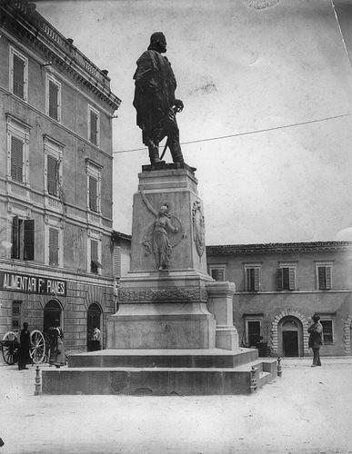 019b Piazza Garibaldi
